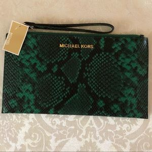 NWT Large MICHAEL Michael Kors zip clutch
